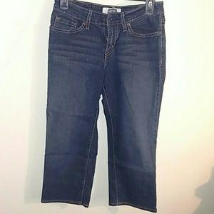 Levi's signature Capri jeans